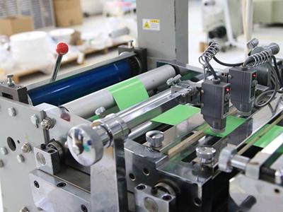 不干胶模切成功需要一台优质模切机